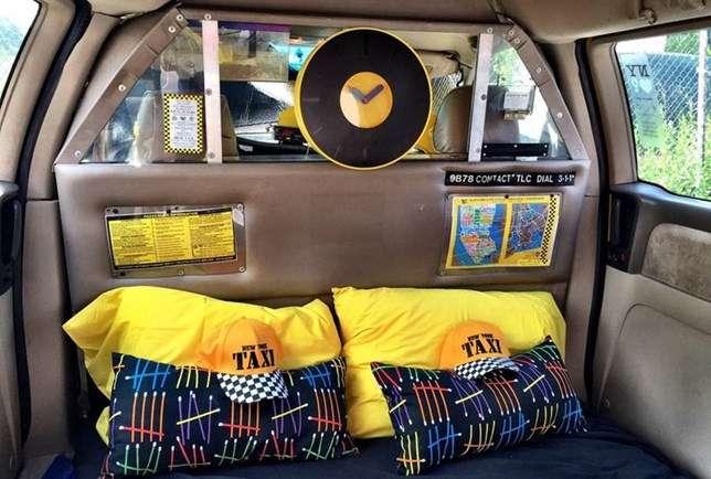 Hospedagem Yellow Cab