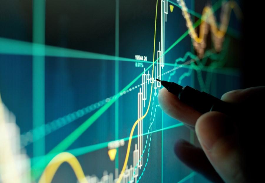 Ibovespa opera entre perdas e ganhos com investidores atentos a Congresso, riscos globais e racha no PSL