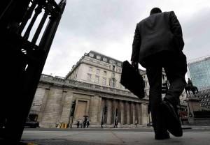 Bank of England compara criptomoedas à crise de 2008 e pede regulação urgente
