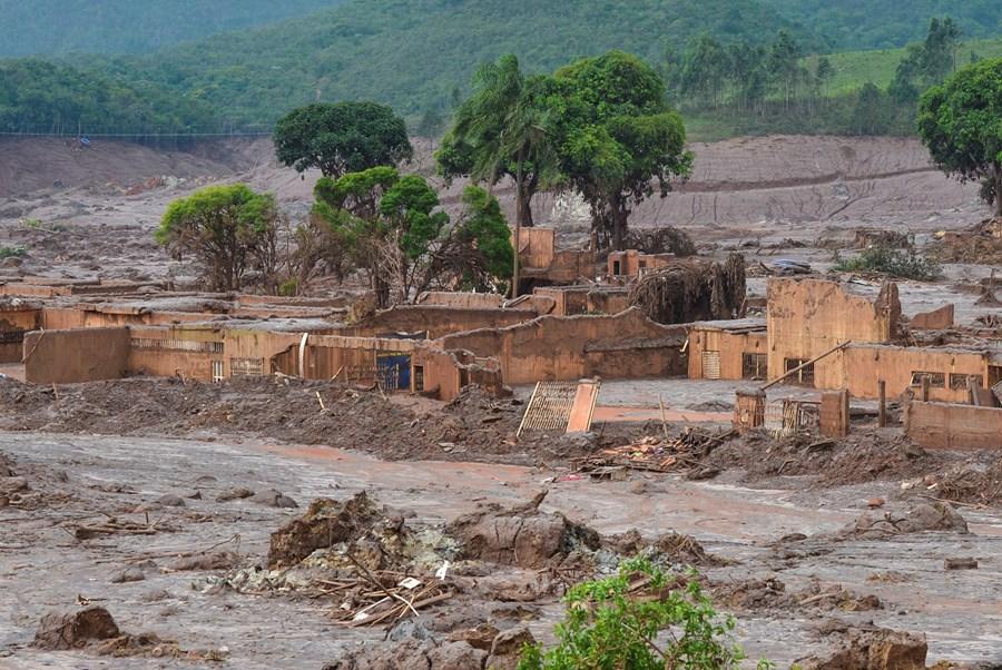 Contestada, Renova promete mais R$ 2 bi por tragédia da Samarco em Mariana (MG) thumbnail
