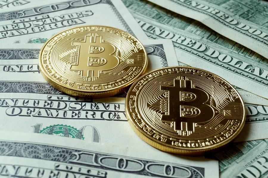 commercio di bitcoin a bitcoin neon sign
