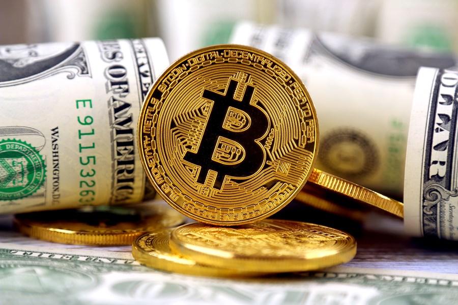 Bitcoin atinge novo recorde e vale quase 50 mil dólares