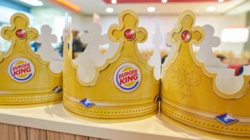 Coroas de papel do Burger King
