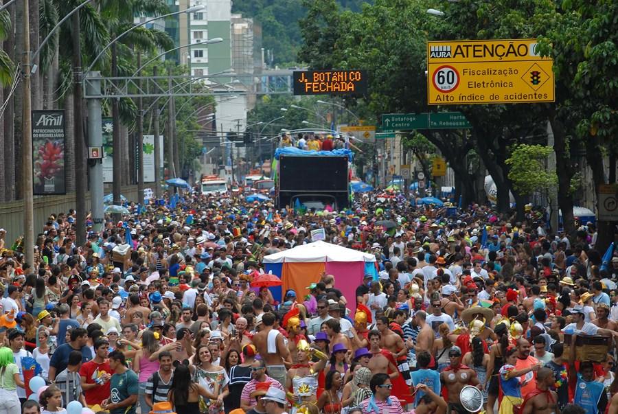 Carnaval 2020 deve movimentar R$ 8 bilhões na economia, diz CNC