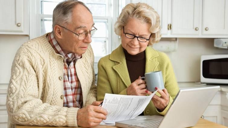 casal-de-aposentados-contas