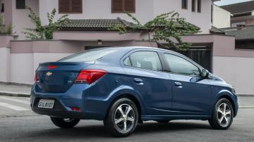 Foto de um Chevrolet Prisma azul