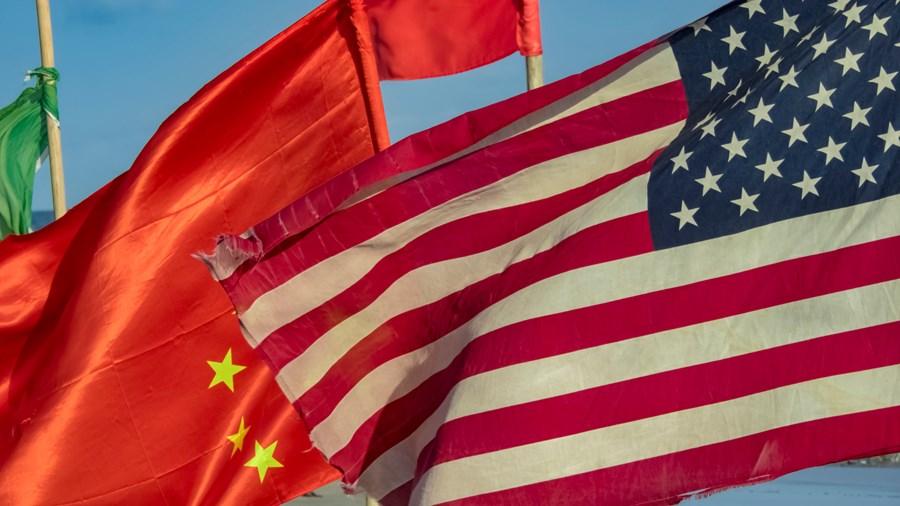 Crise entre EUA x China aumenta incerteza na economia global thumbnail