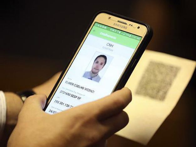 Licenciamento digital de veículos chega para completar CNH no celular