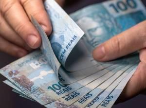 Tesouro Direto: títulos públicos recuam nesta 5ª; papéis de inflação oferecem retorno real de até 5,03%