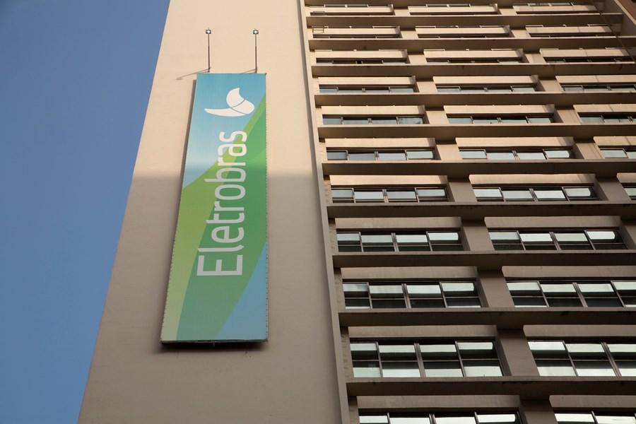 Eletrobras diz que foi incluída no Programa Nacional de Desestatização e no PPI thumbnail
