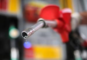 """Governadores criticam """"novo ICMS"""" sobre combustíveis e ensaiam contra-ataque"""