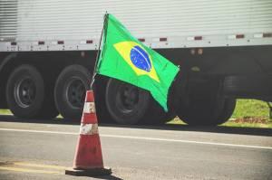 Caminhoneiros fazem protesto em rodovia no Pará por redução do ICMS no diesel antes de ato nacional