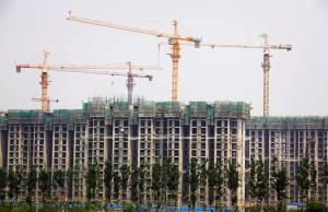 Apesar de forte queda das ações de construtoras no ano, momento ainda não oferece porta de entrada, apontam analistas