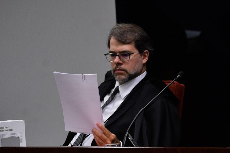 Toffoli deixa para Gilmar decidir sobre ação contra tarifa em cheque especial