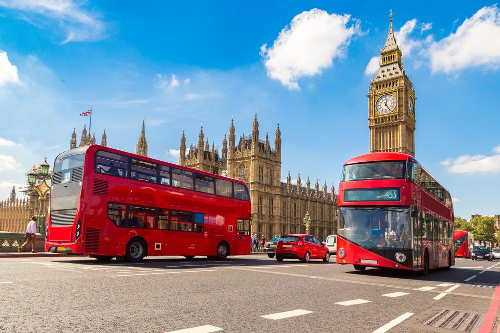 Quase metade dos trabalhadores britânicos voltou aos escritórios thumbnail