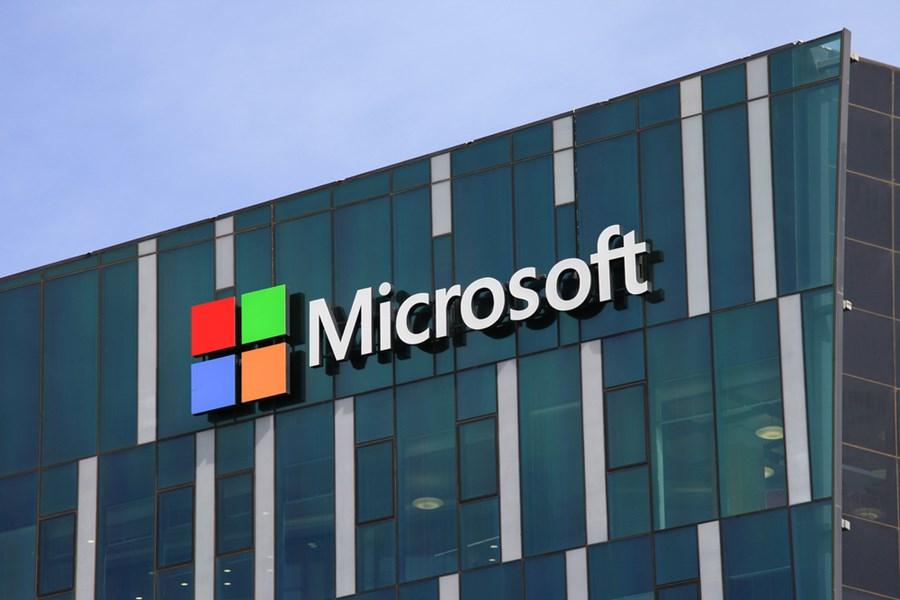 Microsoft reduz previsão de vendas para o próximo trimestre por coronavírus