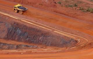 ADRs da Vale caem cerca de 5% em NY com nova queda do minério; ações da Hering deixam de negociar nesta 2ª e mais destaques