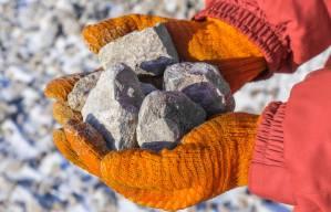 Minério amplia queda com novas restrições ao aço na China