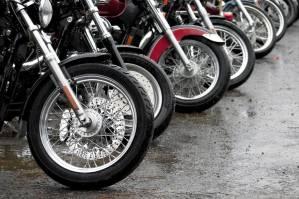 Produção de motos cai 15,1% em maio e interrompe normalização de estoques