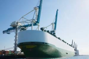 Falta de navios para carregar GNL pode agravar crise de energia