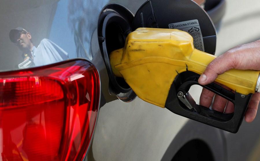 Etanol é competitivo ante gasolina em três estados brasileiros