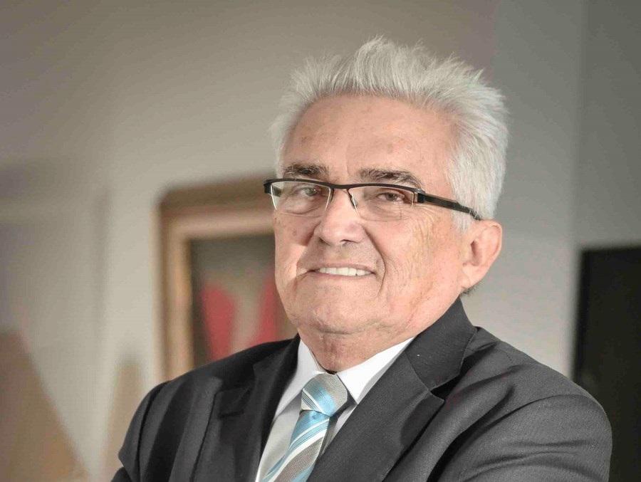 Temos que esquecer por enquanto as reformas e focarmos em salvar vidas, diz Raul Velloso thumbnail