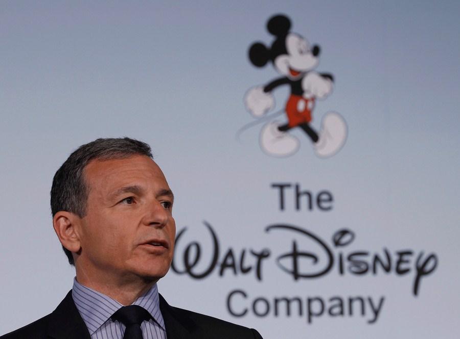 Após 15 anos, Bob Iger deixa cargo de CEO da Disney; veterano da empresa assume