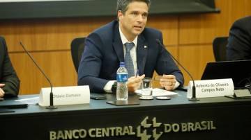 Roberto Campos Neto, presidente do Banco Central, dá entrevista a jornalistas