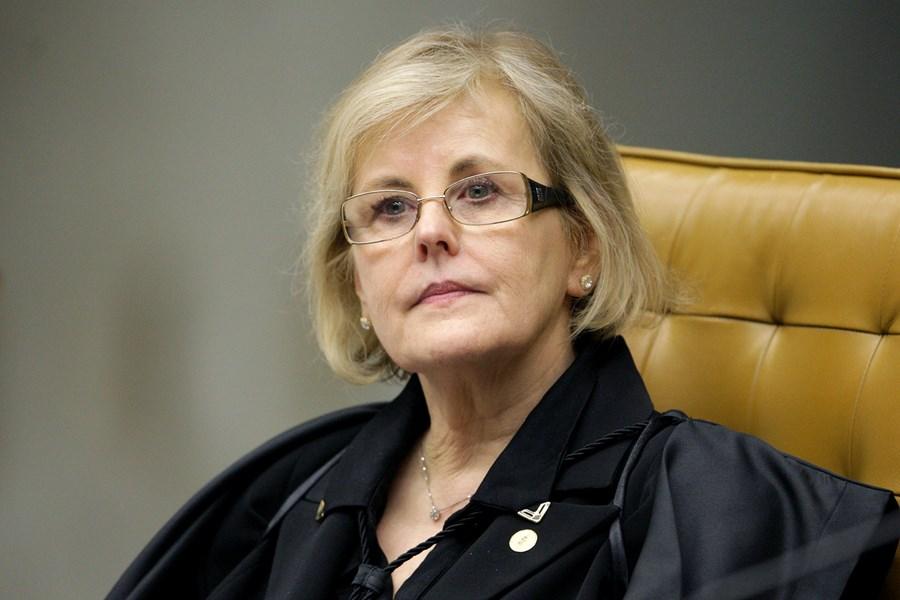 """Rosa Weber vê """"grave suspeita"""" em negociação para compra da Covaxin"""
