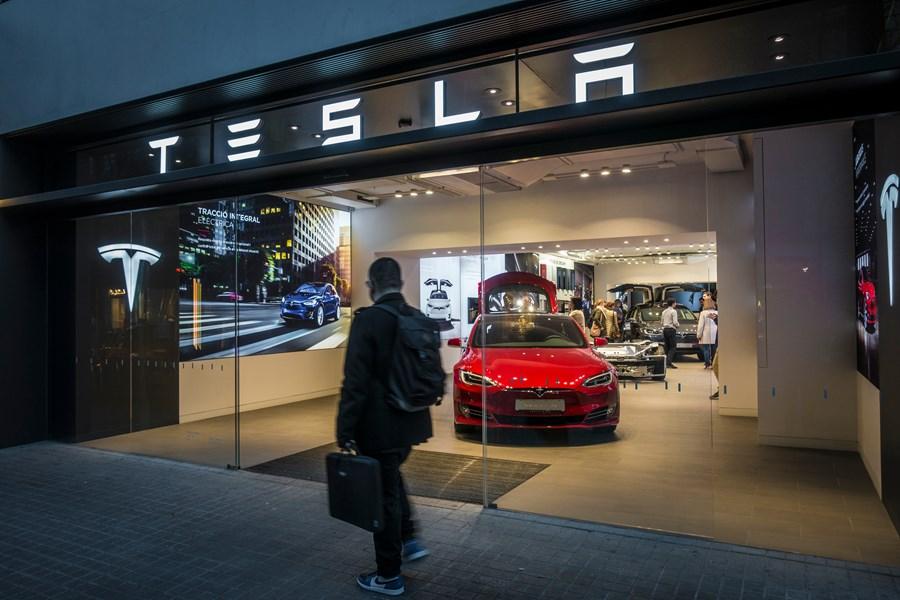 Governo negocia vinda de fábrica da Tesla para o Brasil