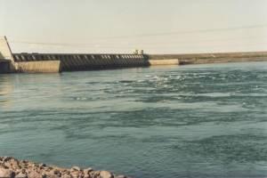 Para conter crise hídrica, governo manda reduzir vazão de usinas