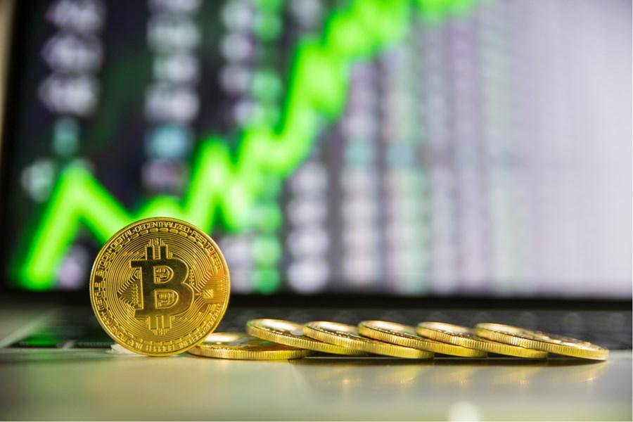 Bitcoin tem melhor dia da história, ETF movimenta US$ 1 bi e mais assuntos que vão movimentar o mercado de criptos hoje