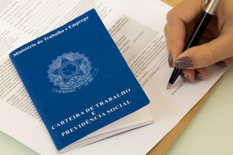 Taxa de desemprego sobe para 12,9% em maio, mostra Pnad Contínua – InfoMoney
