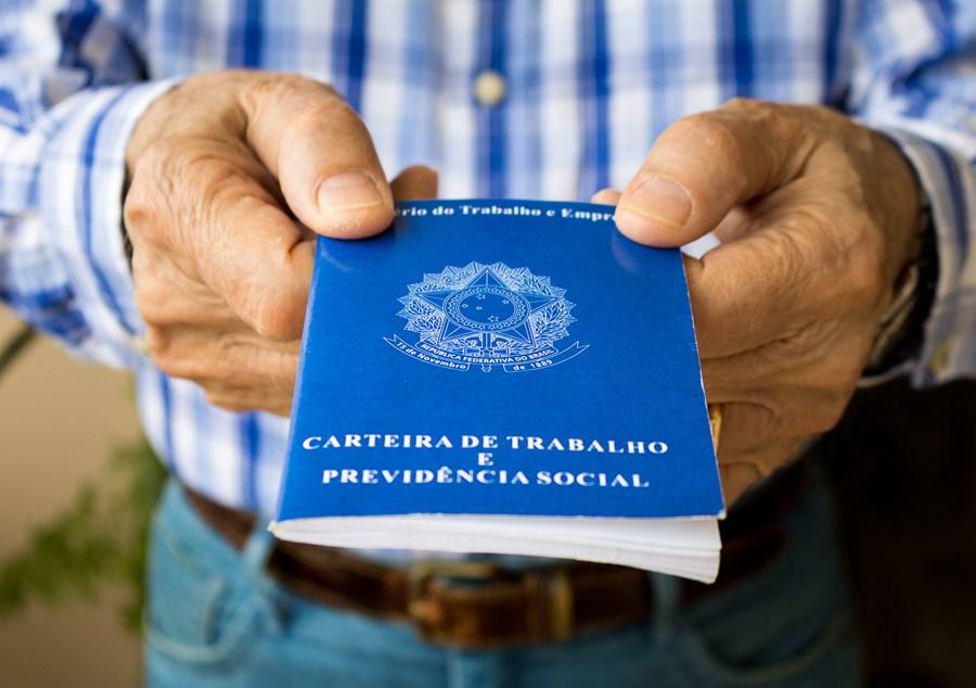 Brasil cria 157 mil vagas e setembro tem a maior criação de emprego formal para o mês desde 2013
