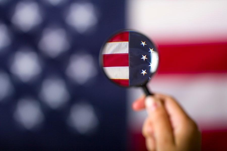 PMIs industrial e de serviços avançam nos EUA em março, mas abaixo do esperado thumbnail