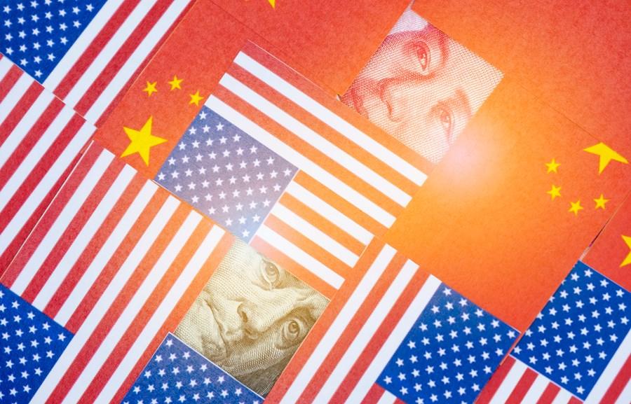 Boom de consumo nos EUA e desaceleração na China? O que a bateria de dados mostra sobre as duas maiores economias do mundo