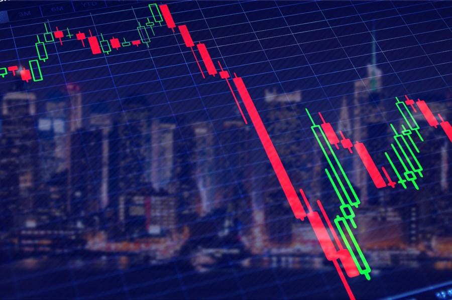 Ibovespa tem baixa seguindo EUA e com os investidores digerindo decisão do Copom; dólar cai a R$ 5,57 thumbnail