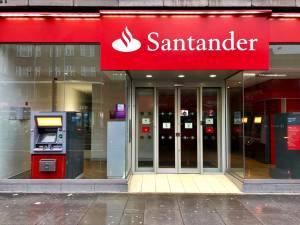 """Santander (SANB11) tem resultado sólido e impulsiona ações do setor, mas analistas destacam """"velha questão"""" para o banco"""