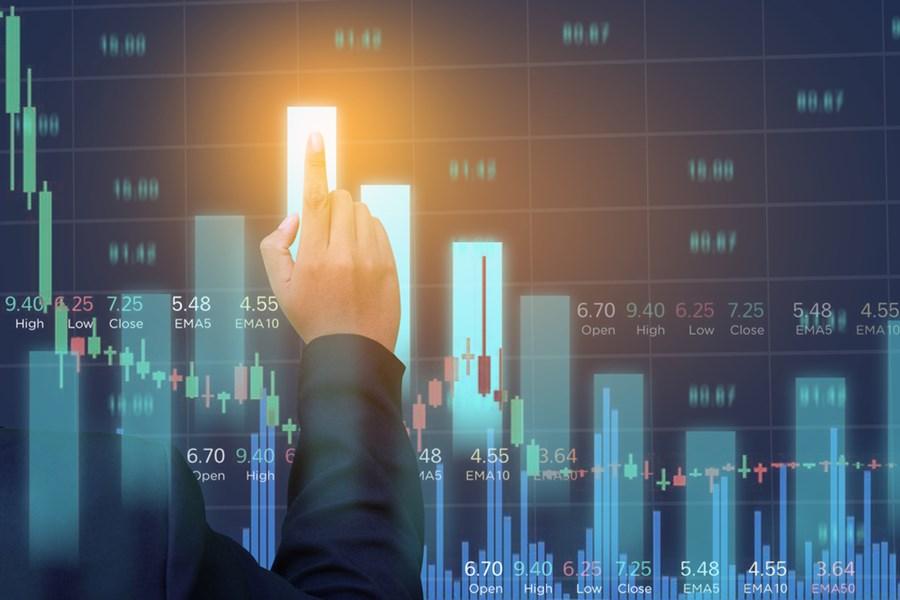 Captação recorde de fundos de ações compensa saída estrangeira