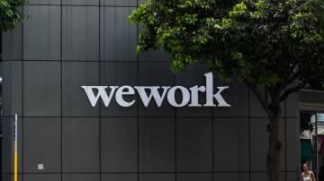Fachada da WeWork em um de seus escritórios compartilhados