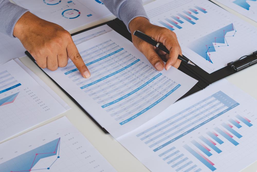 Investimentos (Chaosamran_Studio/Shutterstock)