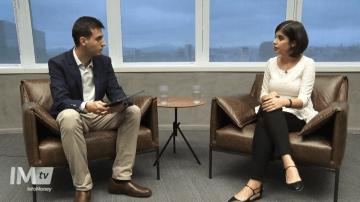 A deputada Tabata Amaral concede entrevista à InfoMoneyTV