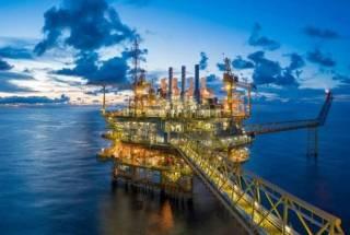 Ações da Petrobras fecham em queda apesar de reajuste de combustíveis e alta do petróleo; Ambev sobe 3%, bancos caem