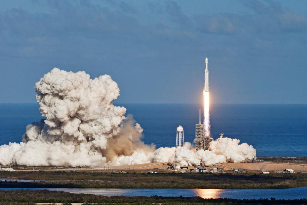 Lançamento de foguete espacial