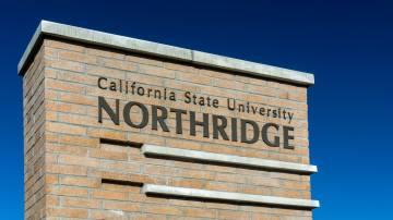 Placa da Universidade do Estado da Califórnia, campus Northridge