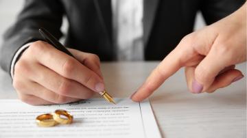 acordo pré-nupcial alianças noivos
