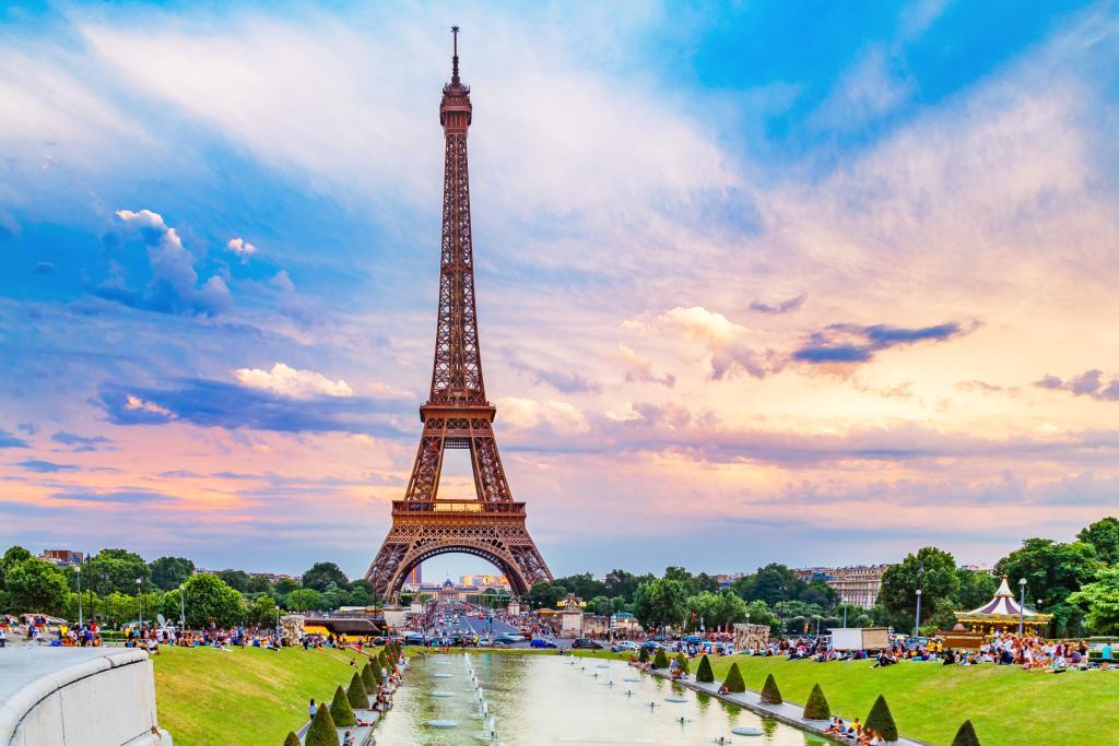 Governo francês oferece bolsas de mais de 1 mil euros para brasileiros darem aula de português