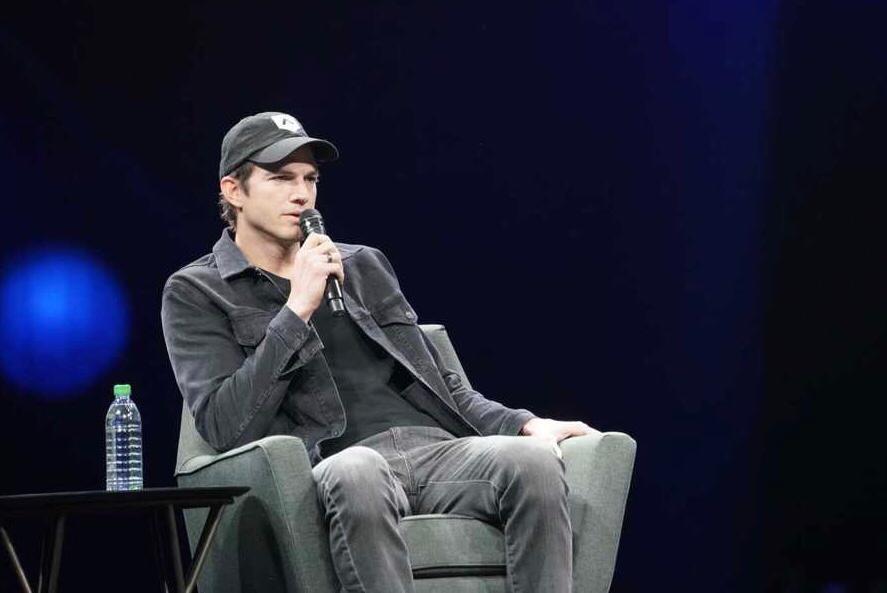 Ashton Kutcher, ator e investidor