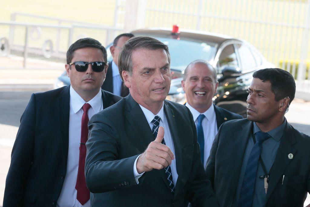 Bolsonaro: decreto sobre militares para ajudar na fila do INSS está em andamento