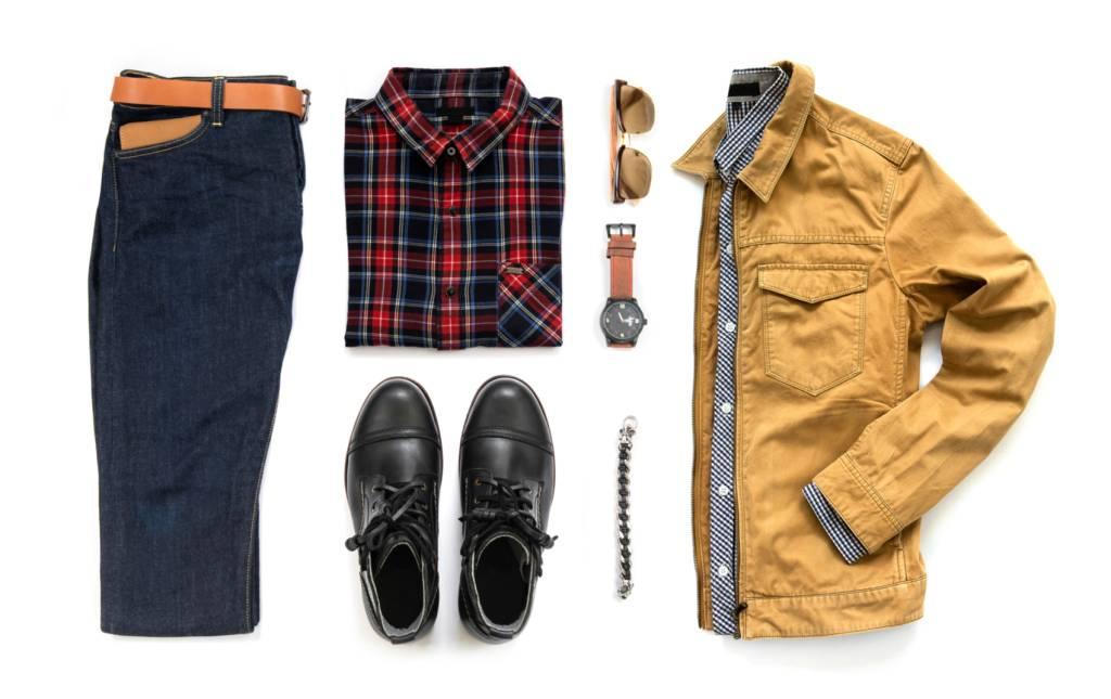 roupas calça casaco sapato camisa relógio óculos pulseira